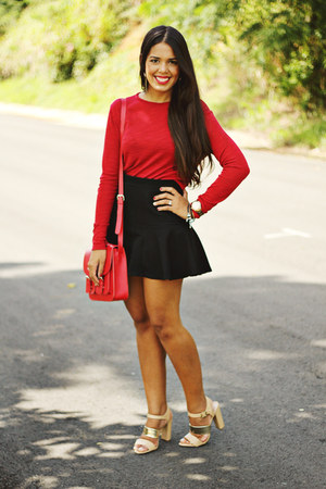 black mermaid Zara skirt - brick red Zara top
