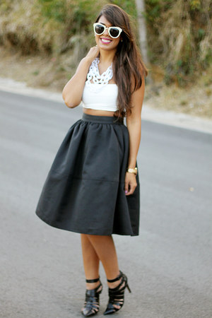 Black Express Skirt - How to Wear and Where to Buy | Chictopia