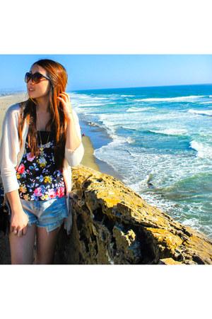 Forever 21 shirt - American Eagle shorts - 80s Purple sunglasses