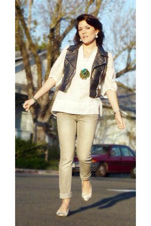 Vest  Forever21 vest - Shirt  Zara shirt - Jeans  Zara jeans - Ballerinas Chanel