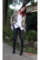 Soft shoes - Burberry jeans - Zara jacket - Forever 21 vest - unknown blouse - H