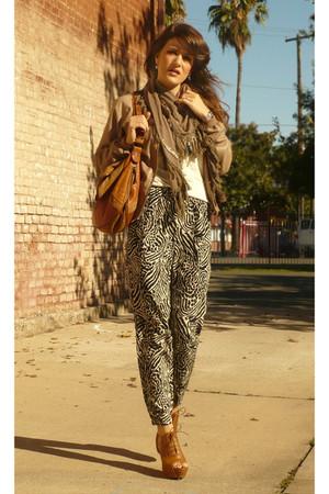 Entracte jacket - Zara t-shirt - H&M pants - Zara shoes - Zara purse - Maje scar