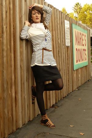 Zara sweater - Naf Naf skirt - H&M belt - vintage scarf - Et Vous shoes