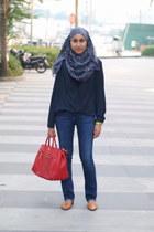 navy Nichii top - blue straight cut Zara jeans - red Prada bag