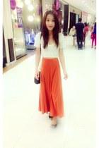 white H&M shirt - carrot orange unknown brand dress - black H&M flats