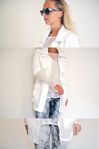 white sheer Pinko coat - heather gray die denim h&m divided jeans