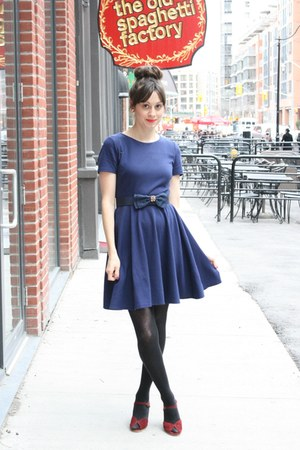 H&M dress - bow vintage belt - vintag wedges