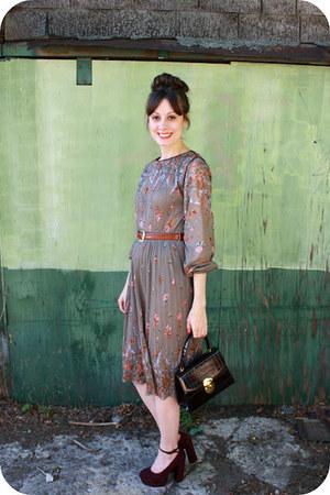 vintage dress - vintage purse - Forever 21 heels