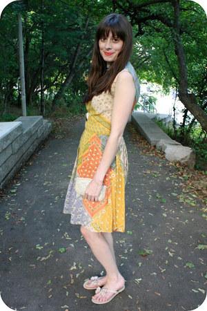 vintage dress - vintage purse - Aldo sandals