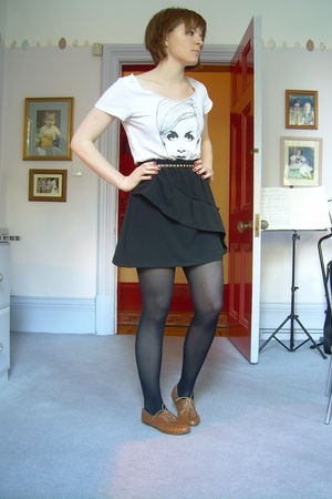 skirt - UO t-shirt - H&M belt - Topshop shoes