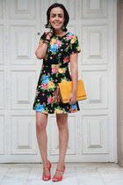 black flowers Forever 21 dress - mustard leather London Fog bag