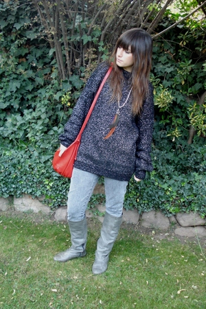 vintage purse - vintage sweater - wanama jeans - boots - self-made necklace - Za