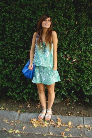Complot dress - Lider purse - Foster shoes