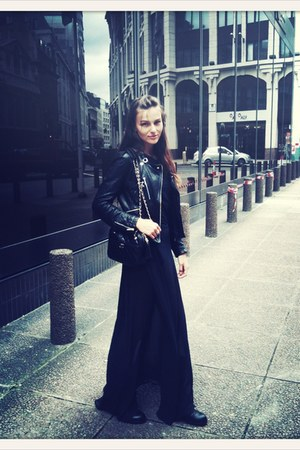 black studded boots - black karen millen jacket - black vintage bag Chanel bag
