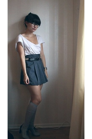 gray H&amp;M skirt - gray Zara shoes - gray Indiska socks - white JC t-shirt