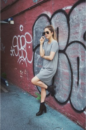 black acne boots - heather gray Zara dress