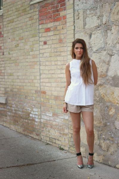tan Forever 21 shorts - ivory vintage top - black animal print j renee heels