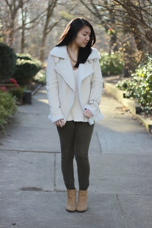 aviator jacket Sheinside jacket - PacSun boots - Zara sweater - hollister pants