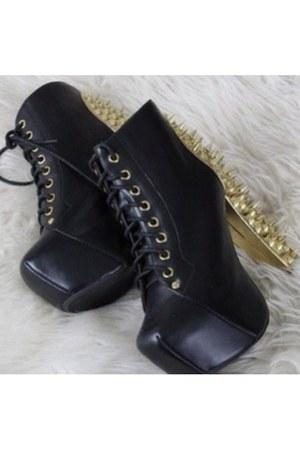 dark gray leather no brand pumps
