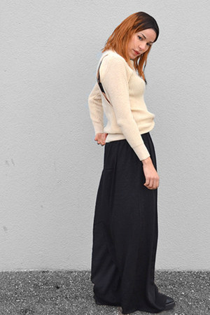black silk bcbg max azria pants - beige wool StyleMoi sweater