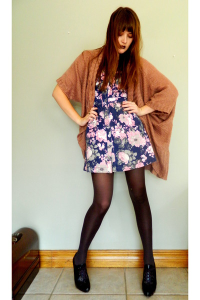 brown socks Woolworths socks - pink dress Forever New dress