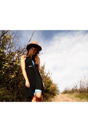 black Bibi Rouge dress - turquoise blue Bibi Rouge shirt