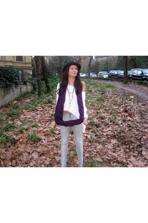 heather gray Zara jeans - deep purple Urban Outfitters scarf