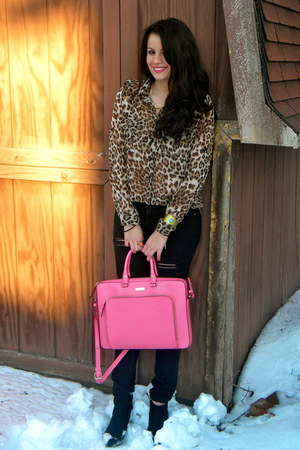 bubble gum kate spade bag - dark brown shopnastygal - black Forever21 jeans