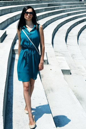 beige shoes - turquoise blue random dress