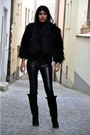 Faux-fur-mango-coat-leather-like-vero-moda-pants-boots-zara-wedges