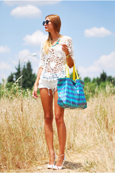 white Bershka shorts - sky blue Glamour bag - white Chicwish top