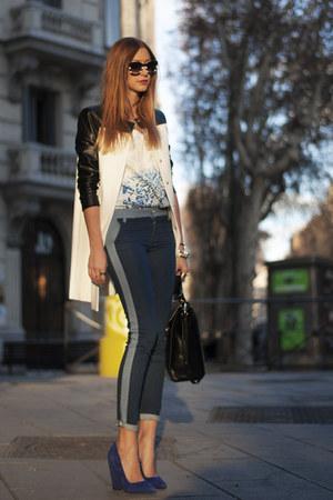 white Zara coat - navy denim Stradivarius jeans