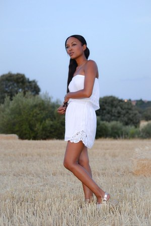 white Bershka dress - peach Stradivarius sandals