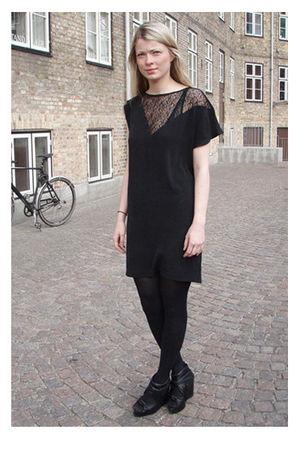 black Wackerhaus dress - black Carin Wester shoes