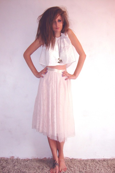 white white cropped hnm top - bronze Accesorize necklace - peach hnm skirt - gol