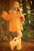 vintage boots - vintage sweater
