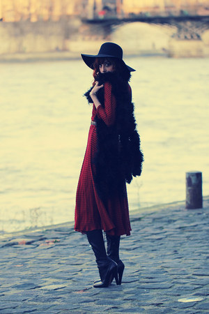 black high helled alaia boots - ruby red Ventilo dress - black floppy aa hat