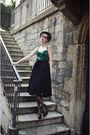 Black-tassles-vintage-belt-black-midi-zara-skirt-green-corset-vintage-top