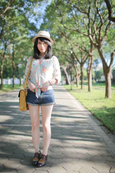 floral print Pazzo blouse - Zara hat - bag - denim shorts - cava cava loafers