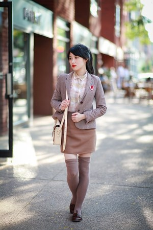 nude Zara shirt - brown loafers shoes - brick red Zara blazer