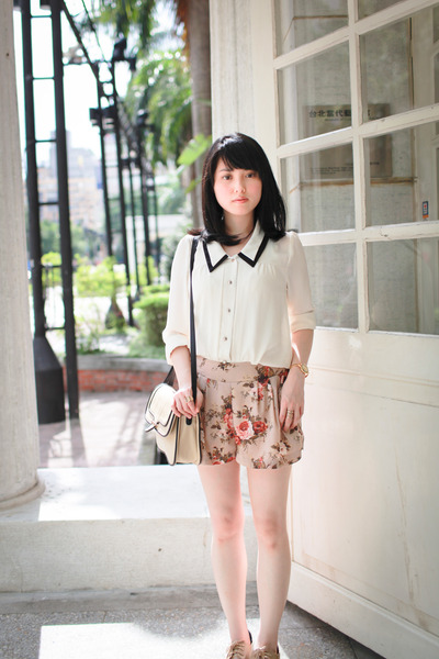 beige floral shorts - tan Mango bag - off white blouse