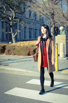 maroon knitted dress - tan longline blazer - brown thrifted bag - black loafers