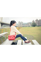 beige wool cardigan - ruby red leather the cambridge satchel company bag