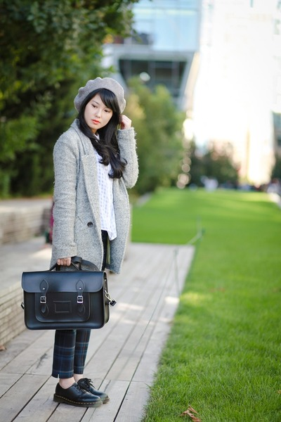 Silver-beret-zara-hat-black-leather-the-cambridge-satchel-company-bag