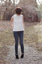 white vintage top - blue h2j jeans - black Dana Buchman boots