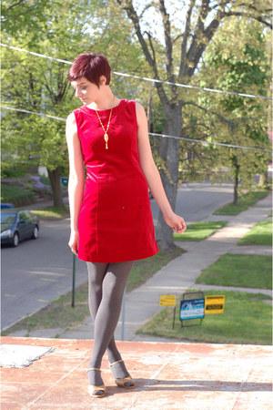 red Gap dress - camel vintage wedges