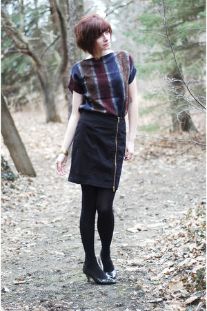 black H&M skirt - black shoes - black tights - blue handmade top