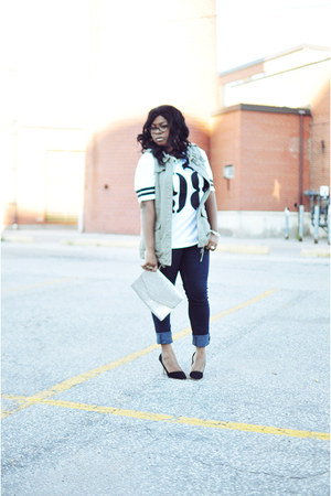 silver H&M purse - navy asos jeans - white Forever21 t-shirt