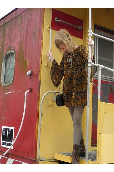 vintage Charles David boots - tunic Gypsy Junkies dress - vintage coach bag