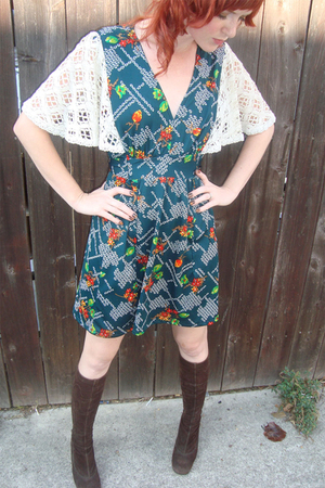 green vintage dress - brown vintage boots